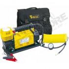 Compresseur Portable 12V mono-cylindre T-Max 160L/Min. - Débit max: 160l/mn - Pression max: 10.3bar - Cordon de 2.5m pinces Croco - Flexible 8m + mano - 3 embouts de gonflache - Sacoche en cordura