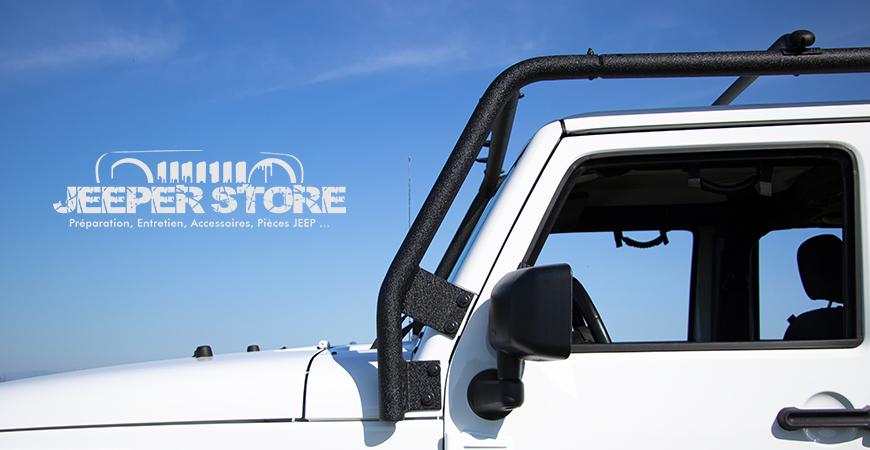 Galerie de toit Smittybilt Overhead Rack pour Jeep Wrangler JK - Cette Galerie de toit pour Wrangler JK est un accessoire idéal pour équiper son véhicule. Il propose un double usage : une fonction de galerie de toit et un support stable et robuste pour installer une galerie de toit. C'est un accessoire Jeep idéal pour les road trip au volant de son Wrangler JK.