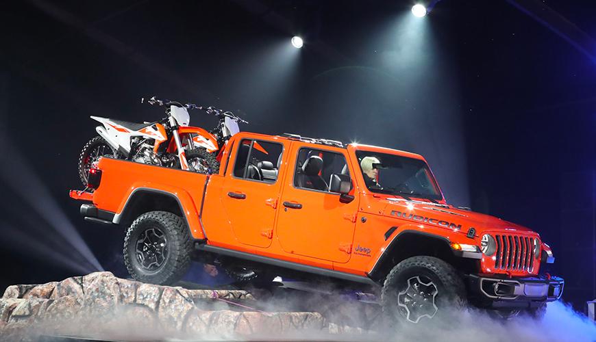 Présentation du nouveau Jeep Gladiator JT par Jeeper Store. Vous pouvez contacter notre service commercial pour acheter un Jeep Gladiator en France (Neuf). N'ayant pas encore produit de version européenne, nous nous sommes naturellement tournés vers l'importation du Jeep Gladiator Rubicon pour la France.