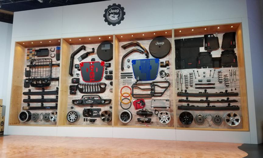mur d'accessoires mopar pour le nouveau jeep wrangler jl